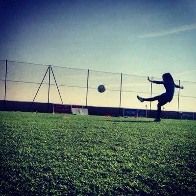 There is a common belief that veiled women should not play sports. This Muslim woman footballer defies stereotypes: