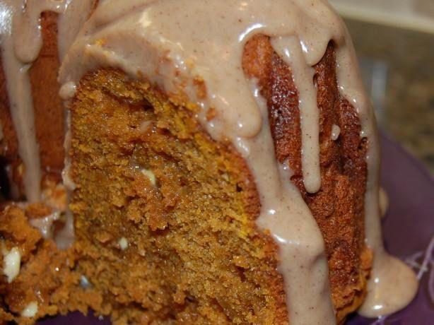 White Chip Pumpkin Spice Cake! YUMMY!!  Get the recipe:  https://www.facebook.com/photo.php?fbid=10204936959083648&set=pb.1230907378.-2207520000.1412270481.&type=3&theater