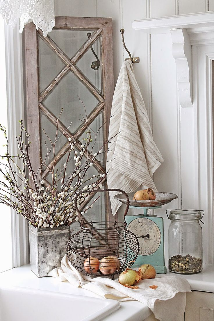 VIBEKE DESIGN: Love the window, the color of the scale...all of it!