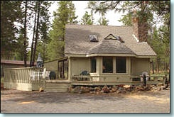 When life gets tough, I love to vacation at Oregon!Oregon Vacations, Bedrooms Loft, Stay Afterward, 1144 Squares, Finest Ski, Squares Feet, Honeymoons Spots, Gas Fireplaces, Oregon Honeymoons