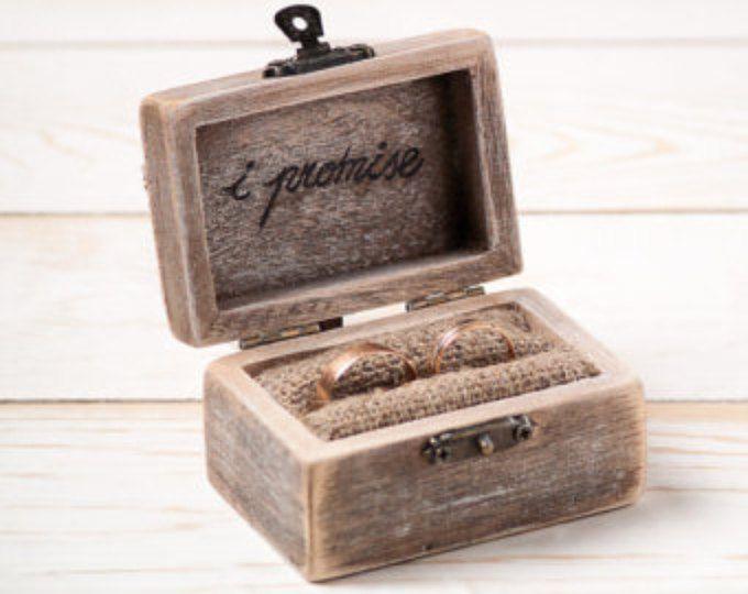 Ring aan toonder trouwring vak rustiek trouwring houder kussen aan toonder vak met hart houten verlovingsring vak jute en Lace / D5
