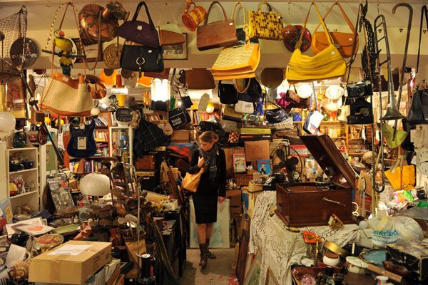 Glasgow, Scotland - Neighborhood guide: The West End. For second hand shopping! -- TO DO ONE DAY