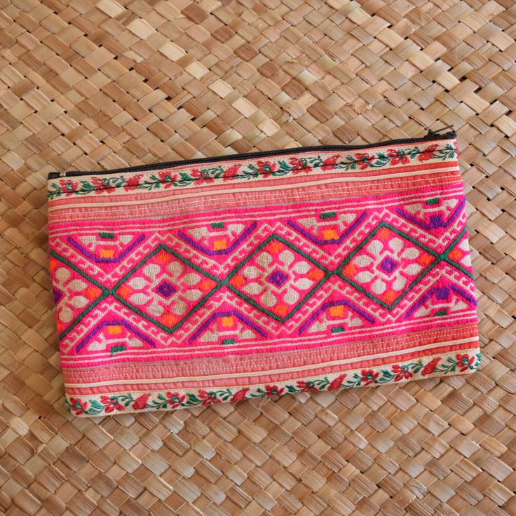 POPPY & LOTUS - Hill Tribe Handicrafts - www.poppyandlotus.com www.facebook.com/poppyandlotus www.intagram.com/poppyandlotus