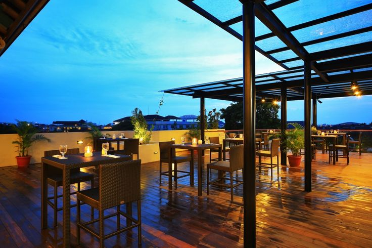 Best rooftop view while dining on delicious food or sipping on cocktails ♡ #J4hotelslegian #J4hotels #LifestyleHotel #Lifestyle #HotelBali #Holiday #InstaTravel #Vacation #LegianBali #Wanderlust #Destination #LegianStreet #RoofTopPool #RoofTopSwimmingPool #Bali #Indonesia #HappyHour #Traveler #Backpacker #HappyLife #HappyCouple #Couple #Honeymoon #Romantic #HappyFamily #RoofTop #Love #NiceView #Space