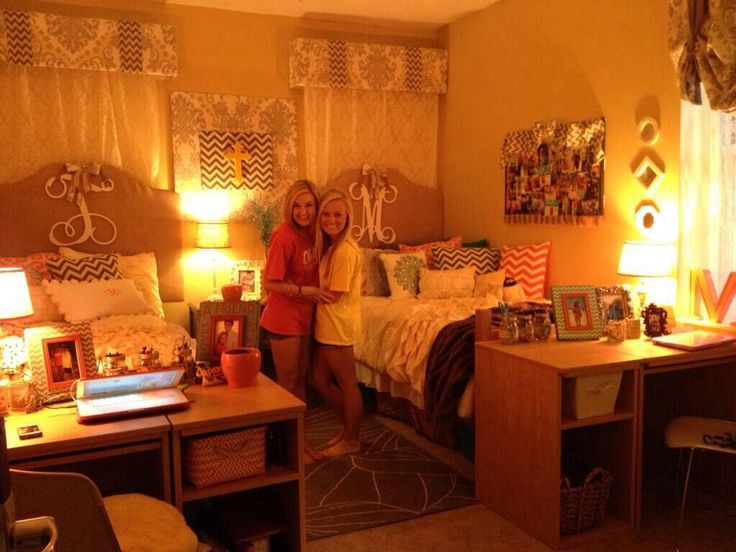 cutest dorm room, love the lighting!! @Cassi Cordero