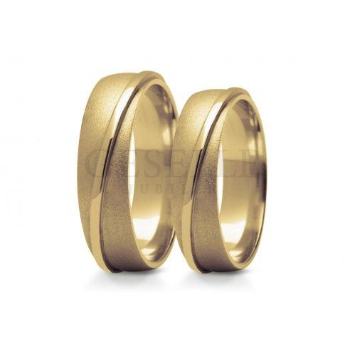 Elegancki komplet obrączek ślubnych z żółtego złota próby 585 matowa baza ozdobiona błyszczącym krążkiem - Obrączki ślubne - GESELLE Jubiler
