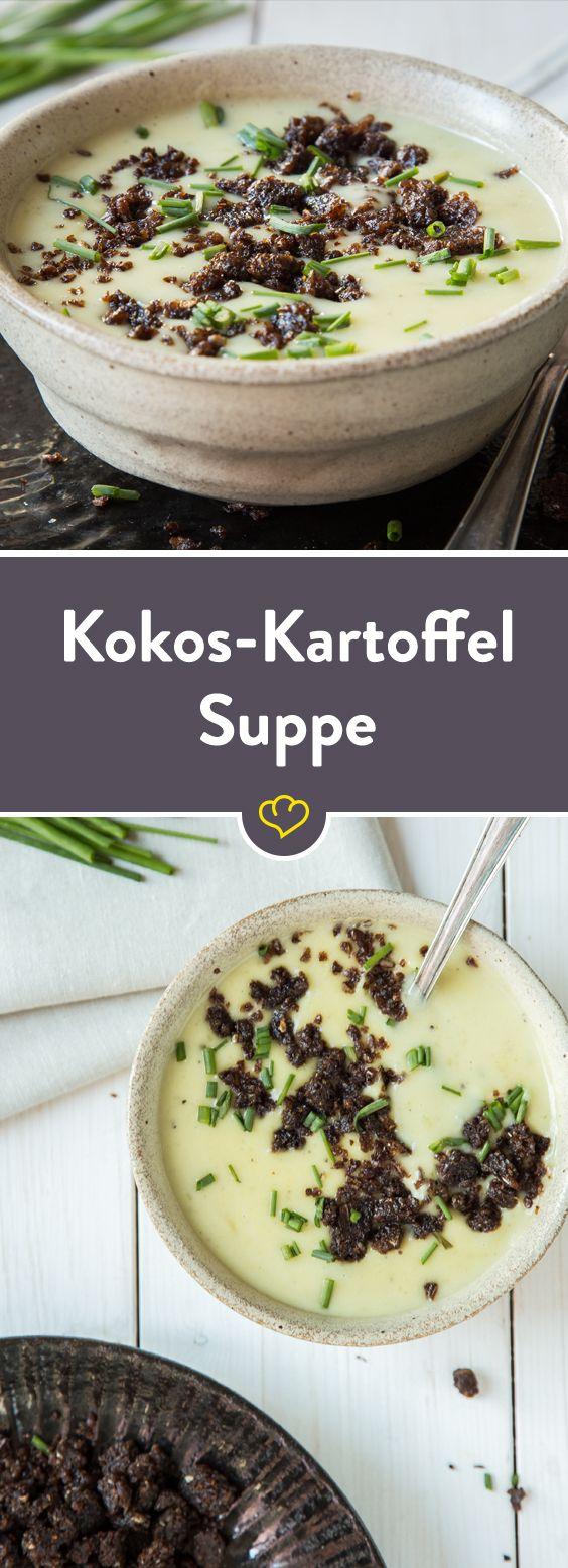 In einer cremigen Suppe ergänzen sich Kokos und Kartoffel perfekt. Sie vereinen einen deutschen Klassiker mit dem Geschmack nach Urlaub - auf einem Löffel.