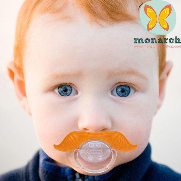 Porque los bigotes están de moda y tu bebé también puede tenerlo..!!! Encuentra los Mustachifier en Monarch Baby