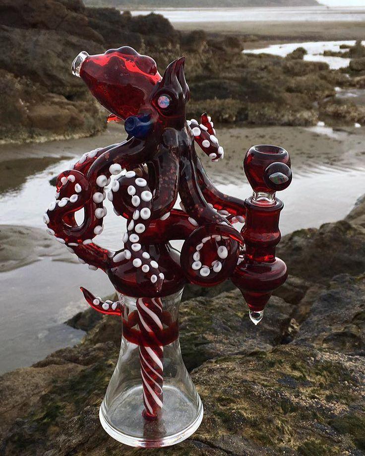 Octopus glass bong.