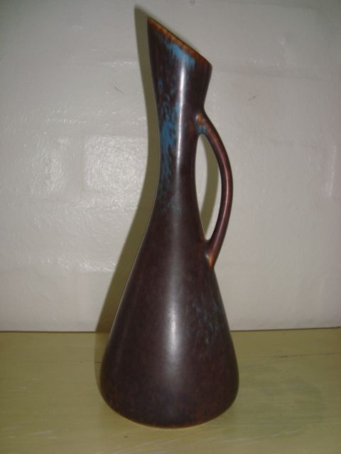GUNNAR NYLUND vase - RÖRSTRAND H: 24 cm D: 9 cm v/standfladen. År/year 1931-58. Sign: 3 kroner/crowns R (Rörstrand) og/and GN AUD. #klitgaarden #rörstrand #gunnarnylund #swedishdesign #swedishceramics #vase #ceramics #stoneware #keramik #forsale #tilsalg på www.klitgaarden.net.