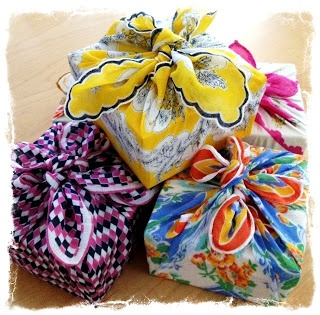 Vintage hanky gift wrapping. ❤❦♪♫