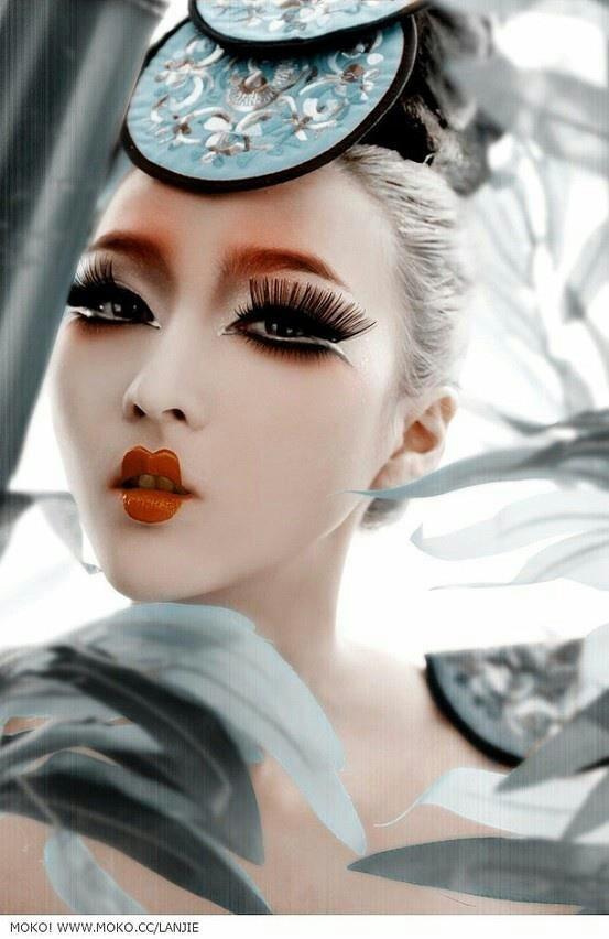Beautiful make-up | weitergepinnt von www.berlinfotografin.de .. #make up  | Follow me on www.facebook.com/pages/Berlin-Fotografin/304964096211572