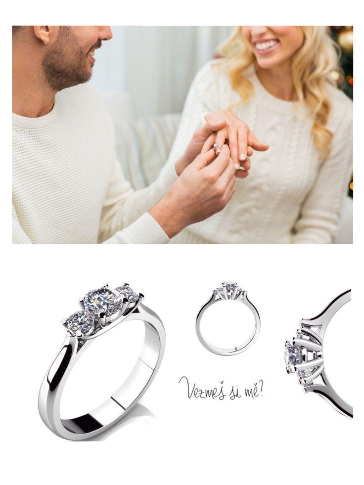 ❤️ Žádost o ruku ❤️ okamžik, na který se nezapomíná.   Plánujete-li požádat svoji partnerku o ruku právě o 🎄Vánocích, nyní je ideální čas vybrat 💍 zásnubní prstýnek & vyjádřit tak své city ❤️  Navštivte jednu z našich poboček & svěřte se do péče našeho vyškoleného Teamu, který Vám ochotně & rád pomůže splnit Vaši představu.   Těšíme se na setkání s Vámi, Team RÝDL 🎄🎁🛍💍💎🎀👍🎉
