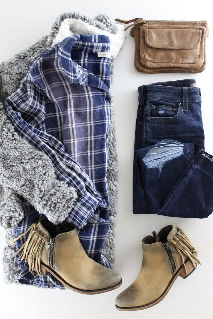 Faded Flannel Shirt. Cozy and cute outfits for Fall and Winter. Casual style. Plaid outfits. Fall booties. therollinj.com