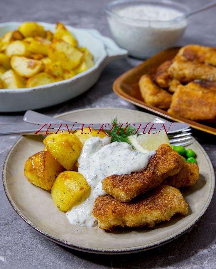 Hemmgjorda fiskpinnar serverade med kall dillsås och perfekt ugnsrostad potatis, MUMSFILIBABA! Det är även supergott att servera fisken med stuvad spenat. Att göra fiskpinnar själv är inte det minsta svårt och smakar så mycket godare än köpes. Recept på såsen hittar du HÄR!recept på potatisen HÄR! och recept på stuvad spenat HÄR! 6 portioner 700 g torskfilé 2 st ägg 2 dl ströbröd 1 dl vetemjöl Salt & peppar Smör eller olja till stekning Gör såhär: Tina fiskfileerna om du använder frysta...