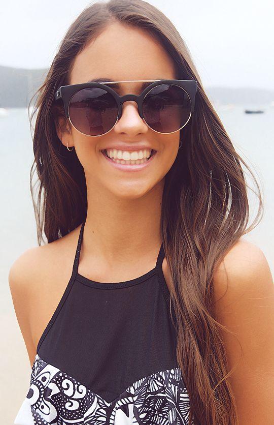 Quay Eyeware - Livnow Sunglasses - Black | Accessories | Peppermayo