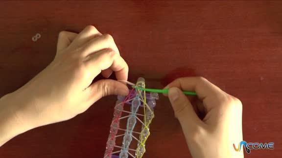 Come fare braccialetti elastici tripli facilmente