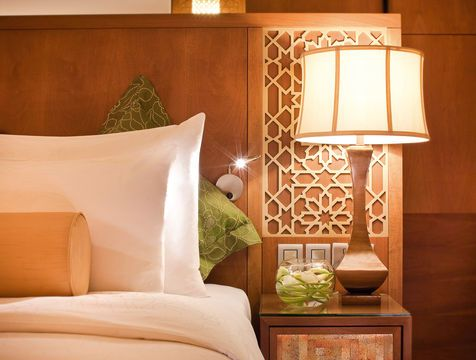Mövenpick Hotel Ibn Battuta Gate | Dubai 5 Star Hotel a bit pricier, on outskirts, great decor and reviews