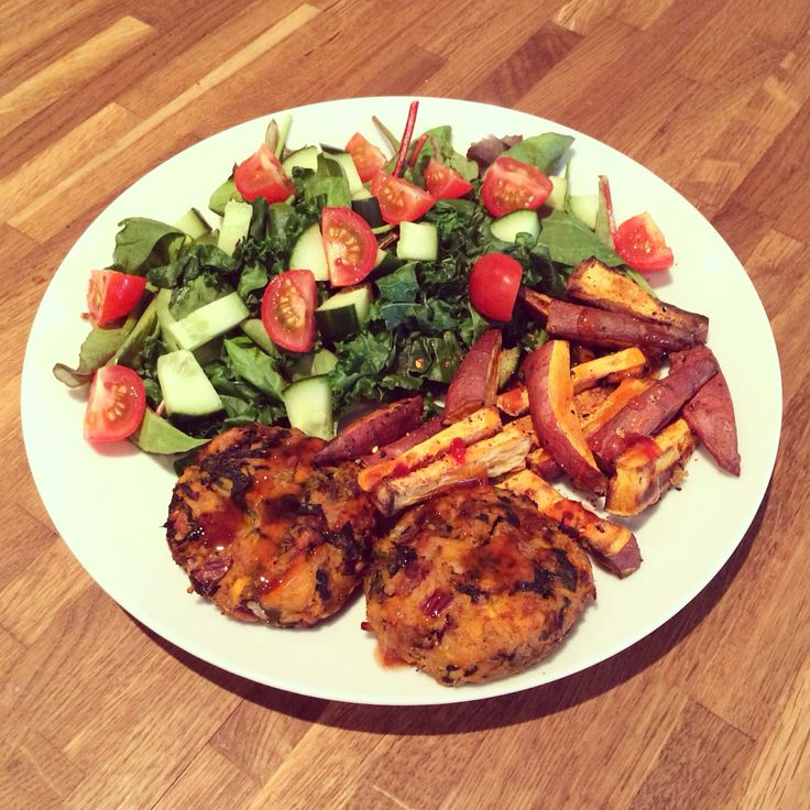 Thai sweet potato, spinach and tuna fishcakes. Containing absolutely no egg! Massaman curry paste and red onion, plus ingredients above. I cooked them in the oven, rather than frying, along with some sweet potato wedges. Served with kale salad.