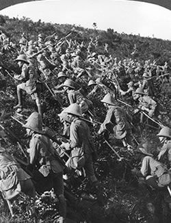 Allied troops attack at Gallipoli (Credit: Print Collection/Getty Images)