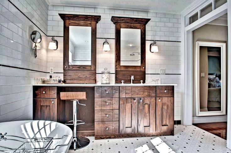 Magnifique propriété à étage de style Nouvelle-Angleterre, située dans un rond-point du quartier paisible des Eaux-Vives, un havre de paix sur un terrain(…)