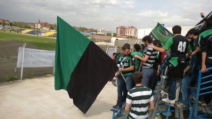 Polatlı Şehir Stadı'nda Kocaelispor Taraftarı - Profesyonel Liglere Veda Maçı