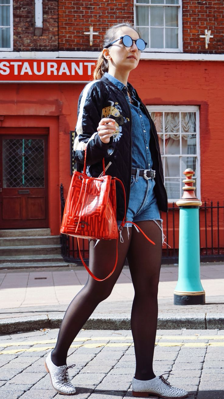 My streetstyle ! Bomber Jacket, bucket bag, denim on denim !