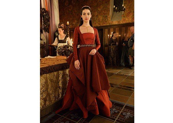 Reign's Adelaide Kane Talks Vintage Shopping And Sixteenth-Century Style Inspiration With The Series' Costume Designer : Lucky Magazine