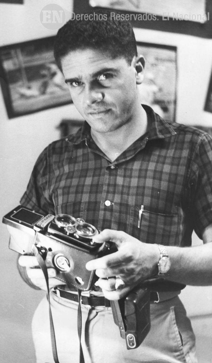 José Grillo, Fotógrafo del diario El Nacional. Caracas, 03-08-1965 (CARLOS BALDA / ARCHIVO EL NACIONAL)