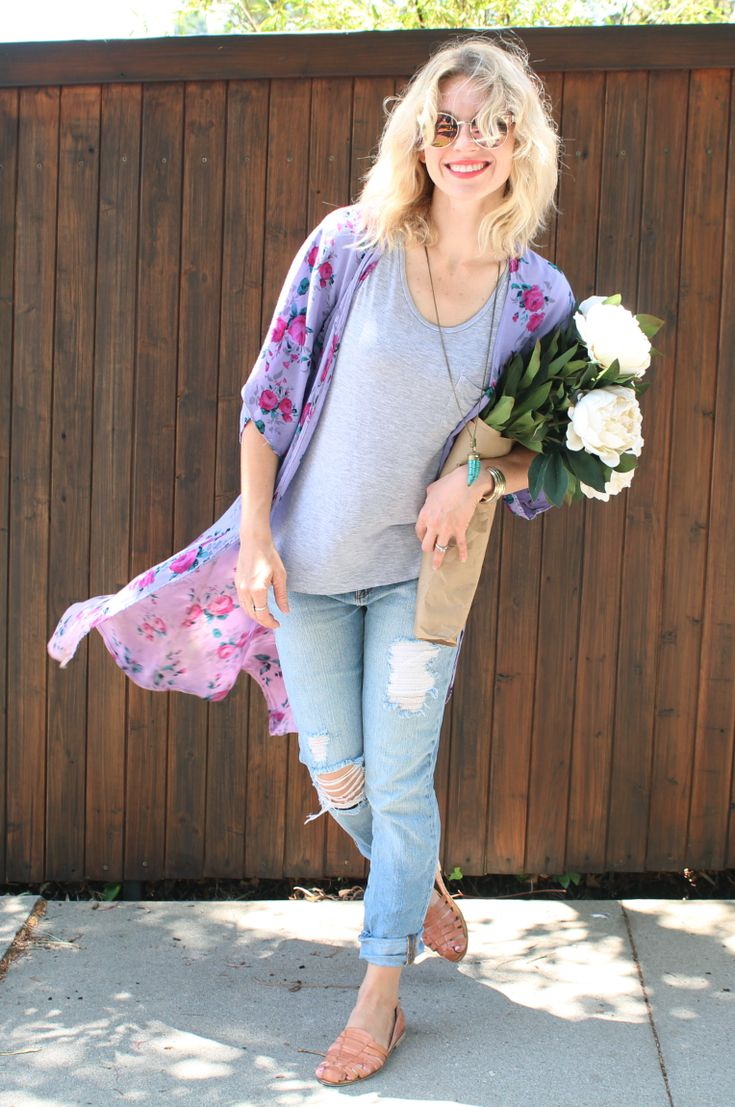 Step up your basic boyfriend jeans and grey t-shirt, with a flow-y pop of color with a beautiful floral kimono
