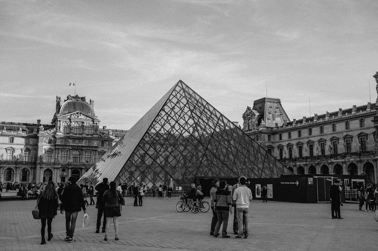 TITLE: Musée du Louvre, Paris MEDIUM: Fine art giclée print PAPER: Hahnemühle Photo Rag 308GSM PRINT SIZES: 5x7, 8x10, 8x12, 11x14, 16x20, 16x24, 24x30 with 1/2 white border. Other sizes available. Please enquire.   Musée du Louvre, Paris   Frame not included.  © Erica Wheadon, 2017. All rights reserved.  Artwork may not be reproduced or resold without the express permission of the artist. Please see FAQ for image size and print information.