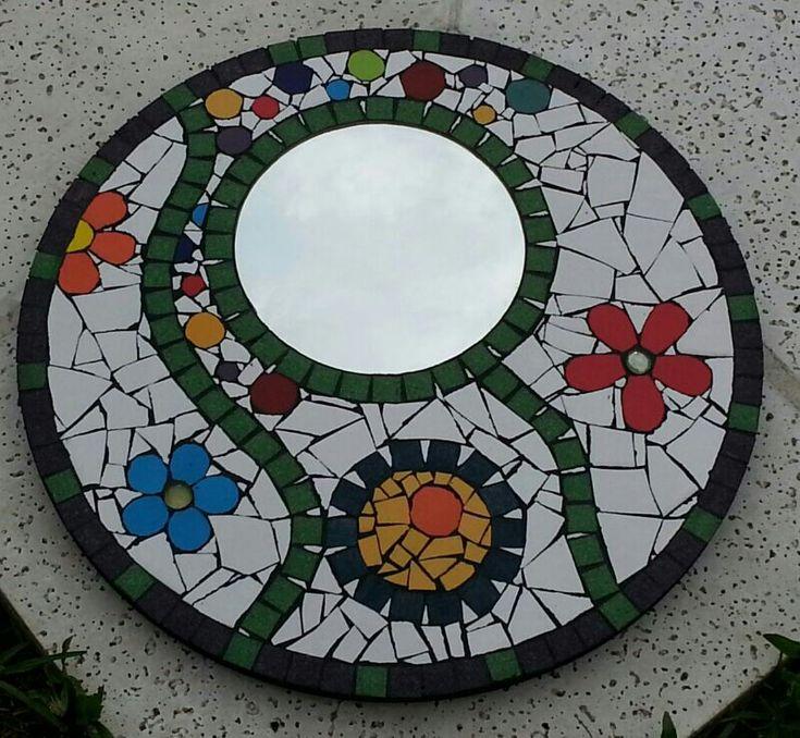 espejo con mosaico y venecita