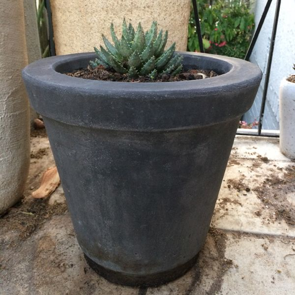 TRADITIONAL FLOWER POT SMALL | StoneCast