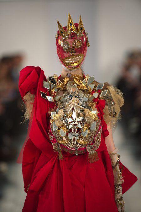 Défilé Maison Martin Margiela haute couture printemps-été 2015 : le retour de Galliano - Journal des Femmes