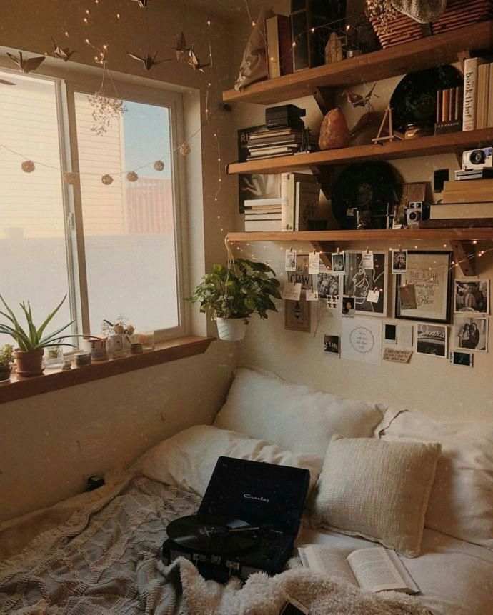 These Bedrooms Are Dripping With Cozy Room Inspiration Bedroom Minimalist Room Bedroom Vintage