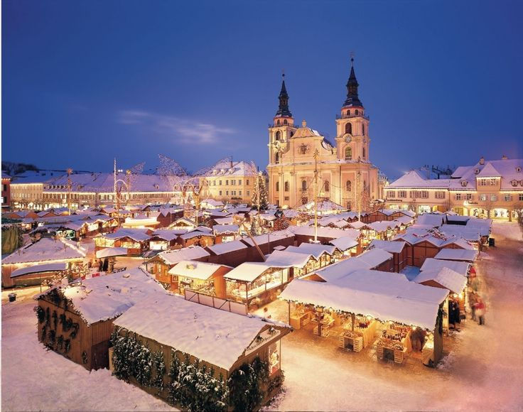 I can't wait to be at the Karlsruhe Christmas Festival this winter.  It is going to be 5 minutes from my front door!!!!