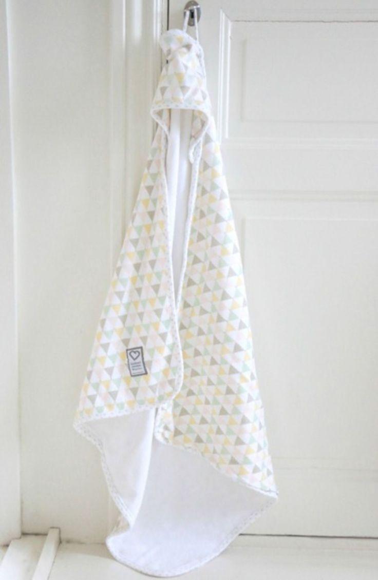 Köp Littleheart Badcape Confetti Pastell | Babyprodukter Bada | Jollyroom