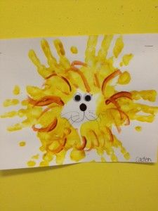 hand print lion craft and lion theme