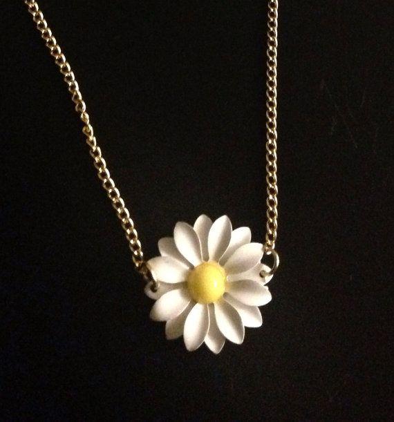 Daisy choker necklace on Etsy, £5.00