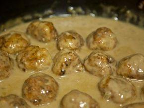 Συνταγή για κεφτεδάκια λεμονάτα!Θα τα λατρέψετε! Φτιάχνονται με ότι κιμά θέλετε και θυμίζει η γεύση τους πολύ το φρικάσε!Τα παιδιά θα τα αγαπήσουν Υλικά: 700γρ. κιμά (ότι κιμά και να βάλετε ακόμη και απο κοτόπουλο γινονται μούρλια) 160γρ.