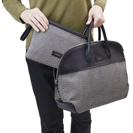 「他にはないボストンバッグを作りたい」そう熱く語るのは、MONOCO でもお馴染み、薄い財布『ALBERTE(アルベルト)』を生み出した、yuhaku…