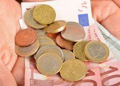 Avec la crise, on cherche tous à économiser de l'argent. Mais dépenser moins, ce n'est pas si facile que ça... Alors comment faire ?  J'ai sélectionné pour vous 3 p'tits trucs que vous pouvez mettre en pratique dès maintenant.   Découvrez l'astuce ici : http://www.comment-economiser.fr/economiser-de-l-argent.html