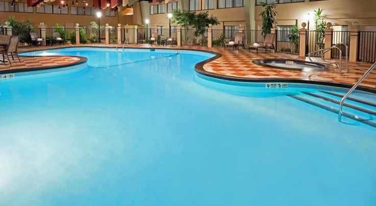 Radisson Hotel Albany Airport Albany Only a few minutes from Albany International Airport with free 24-hour shuttle service, this hotel is near popular area attractions and features guestrooms furnished with flat-screen TVs and more.