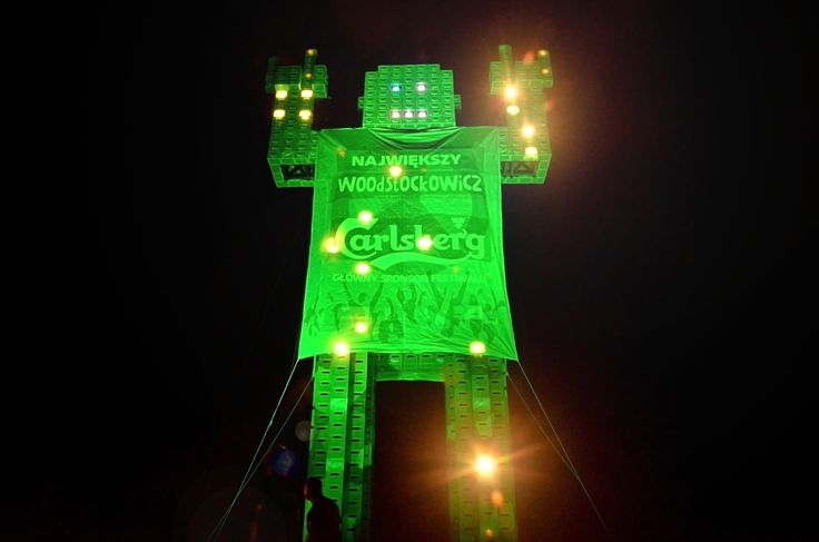 Giant Carlsberg Man was constructed in Poland on Woodstock Festival. www.bee44.com