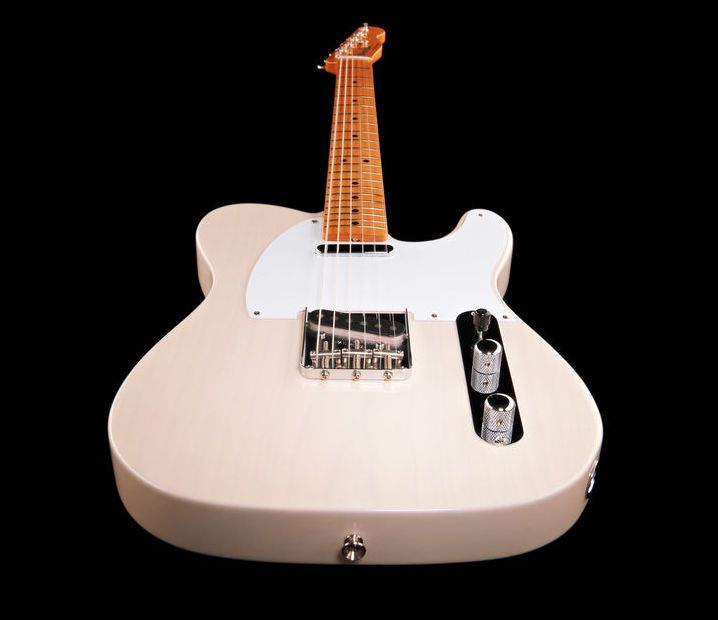 Love the colour! Fender MEX '50s Telecaster MN BL - Thomann - colour: white blonde #tele #fender #telecaster #guitar