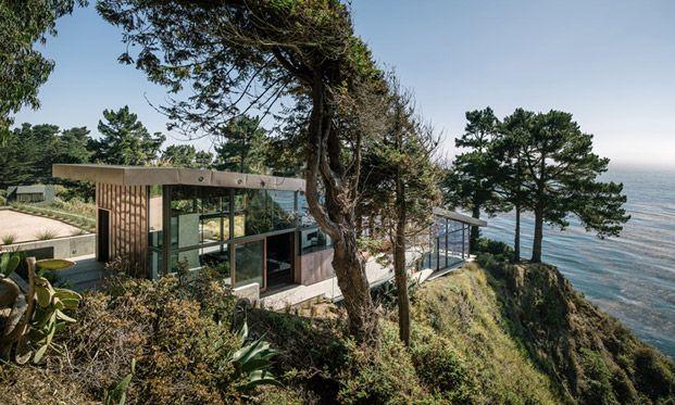 Дом на скале в Калифорнии