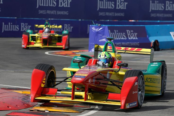 Formula E in Punta del Este, Uruguay: http://www.neuwagen.de/fahrberichte/11708-formel-e-die-sportive-spielwiese-der-e-mobilitaet.html