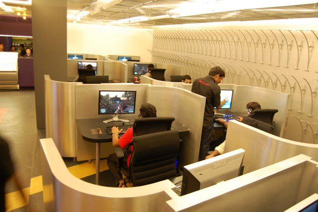 Love The Cubicle Look Of This Lan Center Game Room
