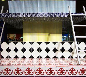 Vietri Ceramic Group #vietriceramic Installazione Torre per una cena romantica progetto by AKSU/SUARDI #cersaie2008