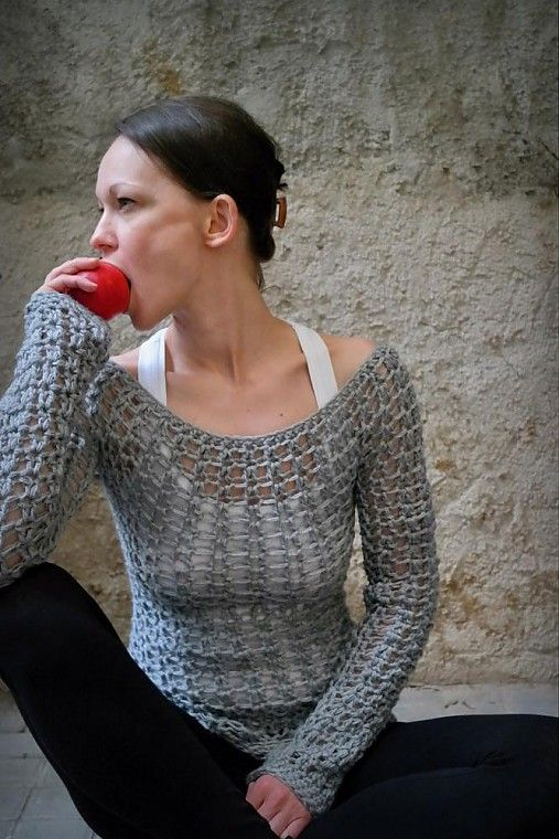 Háčkovaný svetřík - beautiful grey crocheted long sleeved Tee / sweater